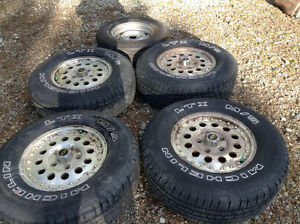 4 Michelin LTX M/S P235/75R15 Tires with Rims