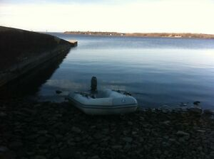 Zodiac for sale with oars and pump (No motor)