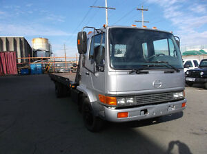 2003 Hino tow carrier