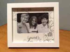 """Shadow box """"aunt"""" picture frame 4x6. NEW!!"""