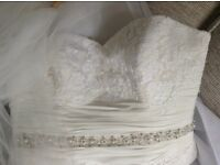Size 12/14 wedding dress and veil