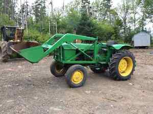 John Deere 510 tractor