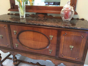 ANTIQUE CONSOLE SIDEBOARD - CABINET, A COLONIAL STYLE Kitchener / Waterloo Kitchener Area image 7