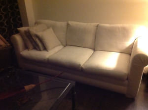 Amazin,comfy, immaculate 3 seater Ivory white couch