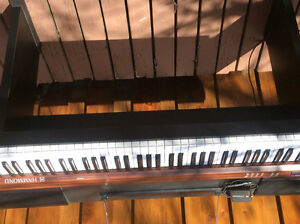 Hammond Keyboard with stand