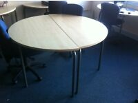 Half moon / circular / round tables
