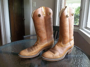 Really nice western boots ...... knock-offs of expensive Frye London Ontario image 2