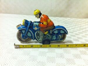 VINTAGE TIN FRICTION TOY