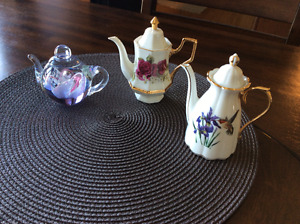 Miniature Teapots and Cup & Saucer