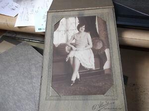 photos anciennes dans cadres cartonnés