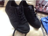 Men's black trainers size:10 used good condition £6