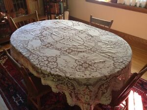 4 Matching Lace Tablecloths London Ontario image 1