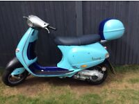 Vespa et4 125 one year mot £500