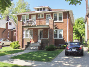 ***333 Randolph - 3 BEDROOM APARTMENT - 2 blocks from U OF W***