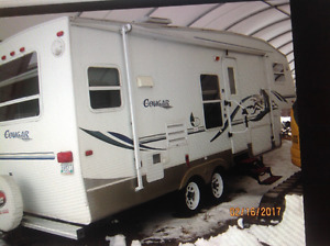 Fifth wheel camper and hitch for sale