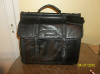 Targus Large Leather Laptop Carrying Case
