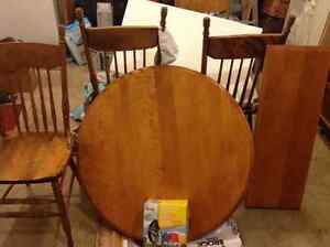 Kitchen table maple with insert & 4 wooden chairs