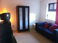 Light/Airy large double room/private bathroom