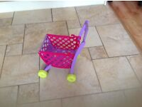 MINNIE MOUSE SHOPPING TROLLEY