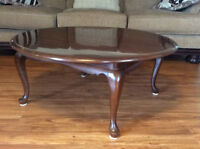 GIBBARD CANADIAN LEGACY ANTIQUE CHERRY  ROUND COCKTAIL TABLE