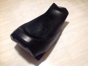 Ski-doo seat, fits 04-07 MXZ