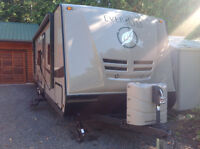 33ft Everlite by Evergreen US model trailer