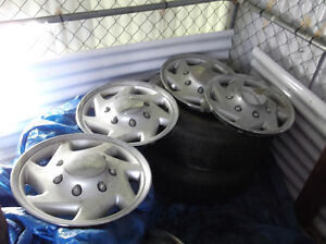 1980's F250 16 inch wheel covers