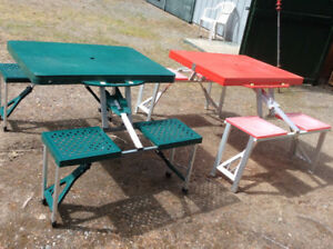 Fold up kids picnic table