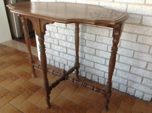 Table ovale antique