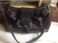 Ladies shoulder bag black used £2