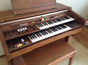Yamaha electric organ model C60a