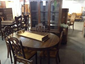 Dining Set (Table, Chairs, Hutch) #HFHGTA Newmarket ReStore