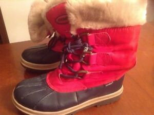 Red and navy  Winter boots great condition  London Ontario image 3