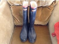 Wellington boots size 9 ( HUNTERS ) £30.ono