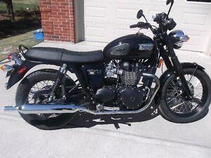 Moto Triumph Bonneville T100 Black