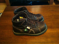 Cat Thinsulate size 10 work boots