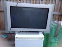 Panasonic TV 32 inch with table good working with remote £15