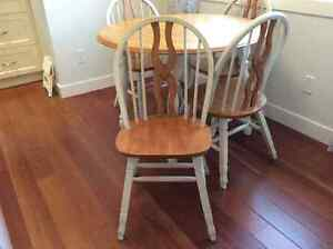 dining table &4 chairs