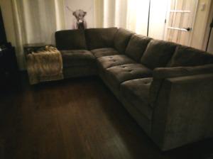 Divan/Sofa sectionnel 6 places ( détachable)