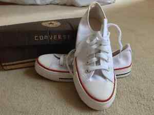 Converse ladies size 5.5 just in time for Christmas!! Brand new