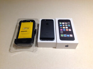 iPhone 5s with otter box defender case