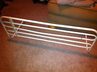 Bed railing safety support