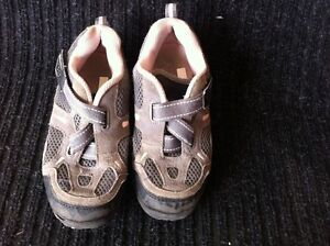 Girls Youth Size 13-1/2 shoes