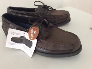 Chaussures en cuir neuves