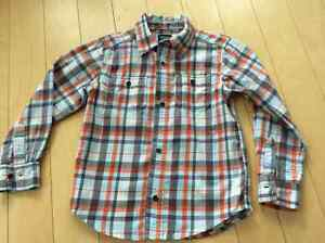 Worn once CARTERS size 5 boys drew shirt