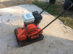 Plate Compactor, tamper...only 4 hours on new Honda motor