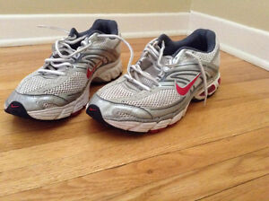 """""""NIKE"""" MAX AIR RUNNERS SIZE 12!!!"""