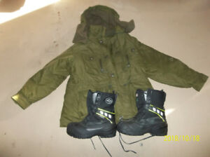 DOUBLE LINED ARMED FORCES COAT & ACTON CANADA WINTER BOOTS