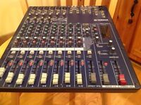 Mixeur YAMAHA MG124cx