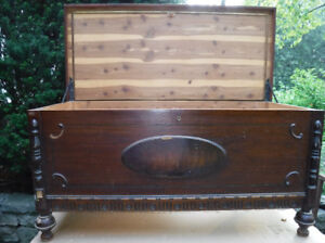 VINTAGE FOOTED  WOOD  CEDAR CHEST FOR PAINTING